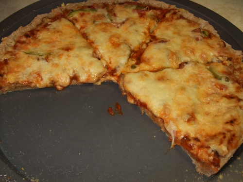 ...read on below to learn more about this delicious looking whole wheat pizza!
